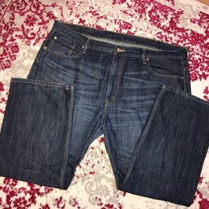 Levi 569 jeans. Size 42 x 30.  EUC.
